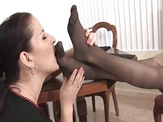 feet love 14