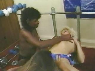 chicks on gym - vintage fitness girls.