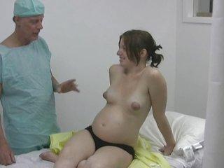 19yo pregnant jerk the nurse