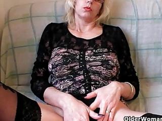 naughty grandma into stockings fists her shaggy