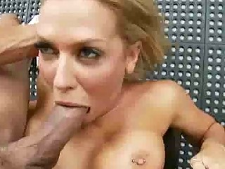 stacked pale lady is a cock sucking babe