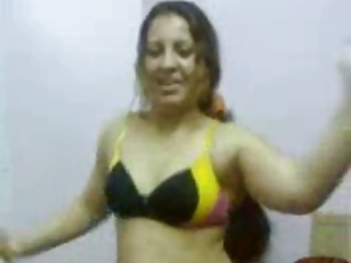 curves on those awesome dancing arab angel