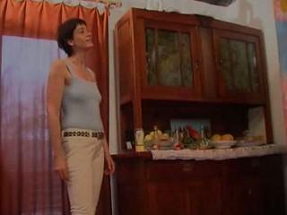 german housewife 2sucks 2 penises
