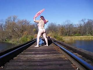 bbw--public nudity