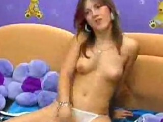 pretty young masterbates on her webcam