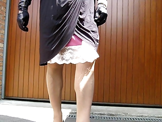 crossdresser upskirt, no panty