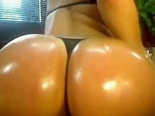 giant titty eastern  with a chubby bottom on