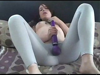 chick masturbate inside leggins