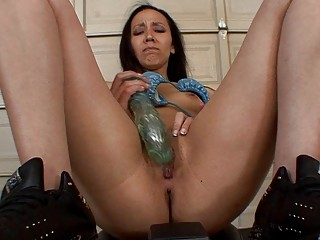 black haired amateur prettie pleases with large