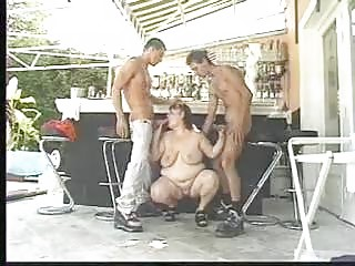 bbw swimmingpool celebration